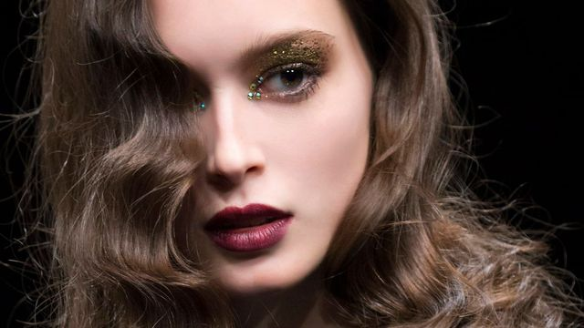 maquillage-paillettes-maquillage-soiree_5665503
